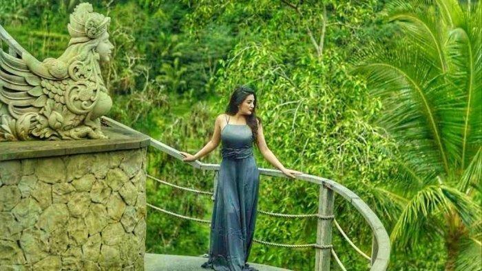 Pose Ashanty, Istri Anang & Ibunda Aurel Hermansyah di Kolam Renang Jadi Sorotan: Kok Gak Pantas Ya!