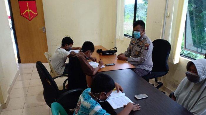 Polsek Tanjungpinang Kota memberikan pelayanan berupa internet gratis kepada pelajar yang belajar daring atau online selama pandemi Covid-19, Kamis (13/8/2020).