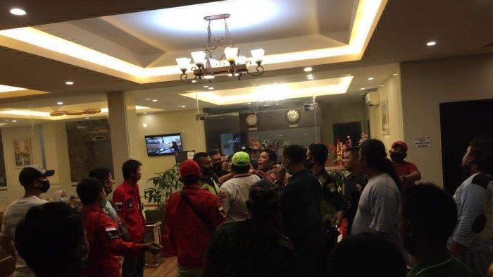 Berita Populer Hari Ini: Suami Murka Lihat Istri Selingkuh & Pelabuhan Batam Centre Jadi Entry Point