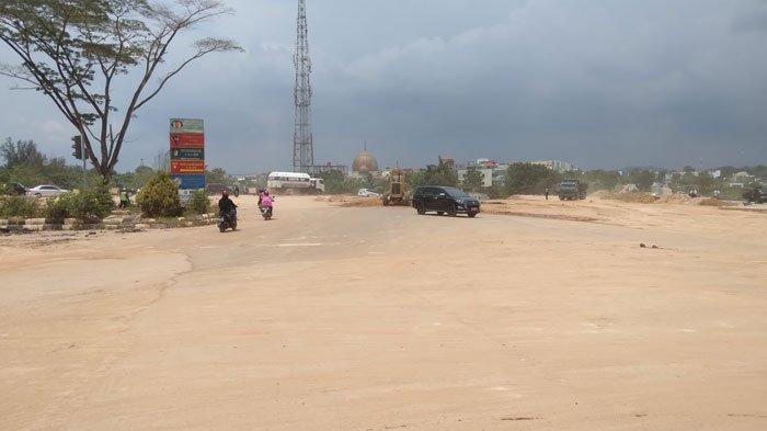 PANAS dan Berdebu, Warga Tembesi Mulai Tersiksa dengan Kondisi Jalan Simpang Barelang