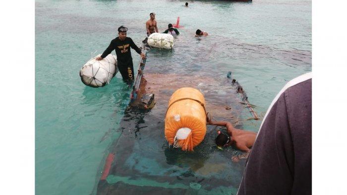 Kapal nelayan Desa Putik, Kecamatan Palmatak Anambas tenggelam saat akan mencari ikan di Perairan Tanjung Penes, Kamis (14/1/2021)