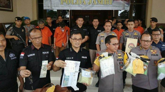 Penangkapan Geng Narkoba Roma Ardadan PNS Kepri Diwarnai Tembakan. Berikut Kronologinya