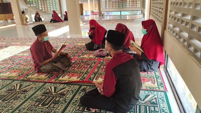 Pelajar SMAN 1 Singkep Lingga Isi Waktu Akhir Pekan dengan Menghafal Al-Quran