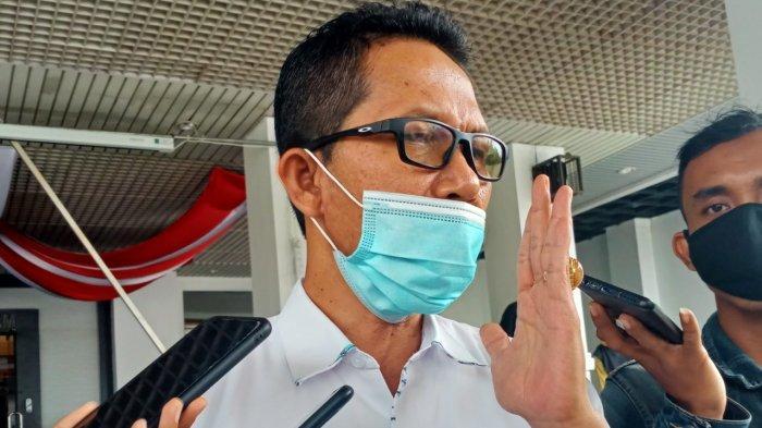 AMSAKAR ACHMAD - Calon Wakil Wali Kota Batam Amsakar Achmad saat diwawancarai di depan Kantor DPRD Kota Batam, Senin (14/9/2020).