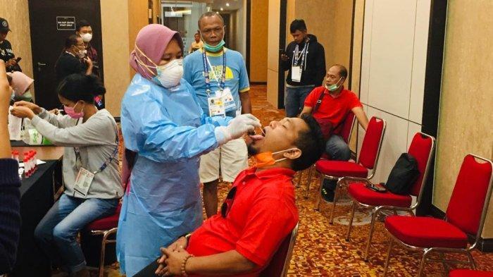 Jelang Kepulangan dari Papua, Kontingen Kepri Jalani Tes PCR Lanjut Karantina di Batam