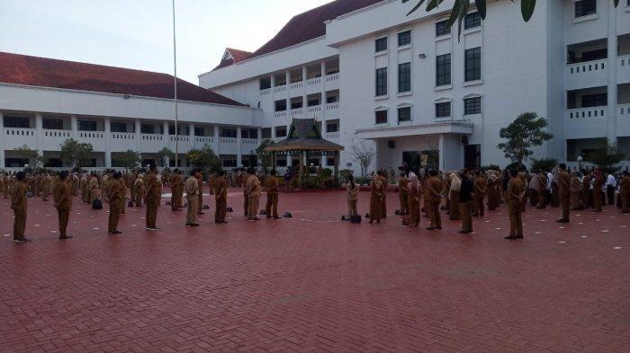 Plh Gubernur Kepri TS Arif Fadillah Perdana Pimpin Apel, Ini Pesannya kepada Pegawai