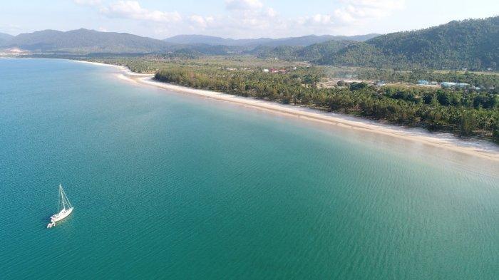 Wow, Melihat Surga Tersembunyi di Pantai Padang Melang Anambas, Punya Hamparan Pasir Putih