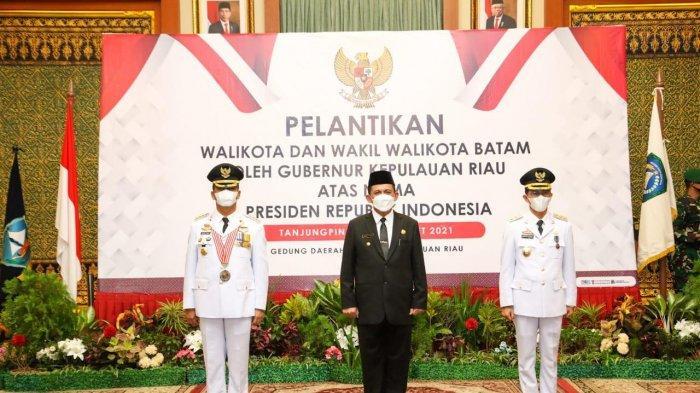 Gubernur Kepri Ansar Ahmad seusai melantik Wali Kota Batam Muhammad Rudi dan Wakil Wali Kota Batam Amsakar Achmad, Senin (15/3/2021)