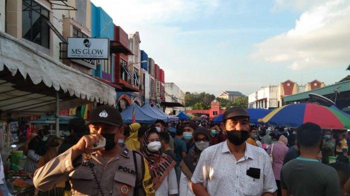 Wakil Walikota Batam Amsakar Ahmad Kena Covid-19, Kini Tiap Sore Tim Satgas Patroli di Lokasi Bazar