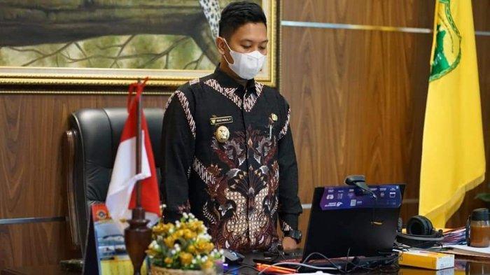 Wabup Lingga Neko Wesha Pawelloy Hadiri Pembekalan Kepemimpinan Secara Virtual