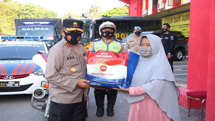 Polda Kepri Salurkan Bantuan PPKM Darurat untuk Warga Batam dan Tanjungpinang