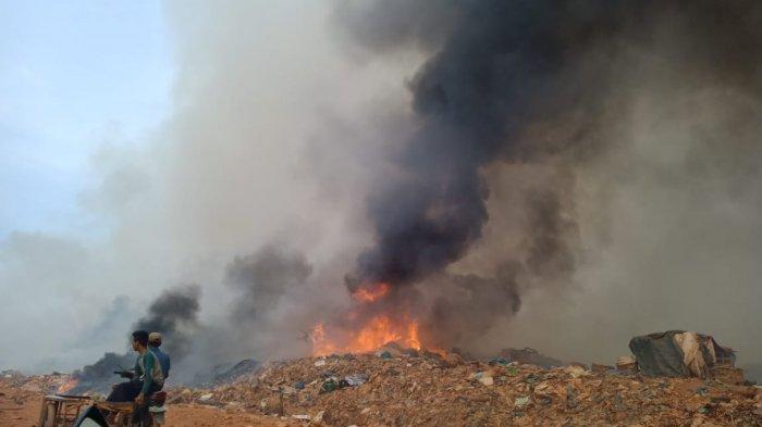 Api Masih Menyala, Cuaca Ekstrim Diduga Picu Kebakaran TPA Punggur Batam