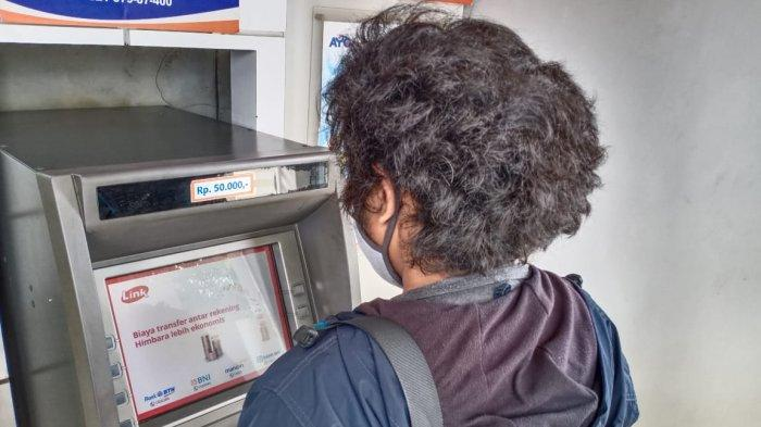Bantuan Subsidi Upah (BSU) dari BPJS Kembali Dicairkan, Pekerja di Batam Langsung Serbu ATM