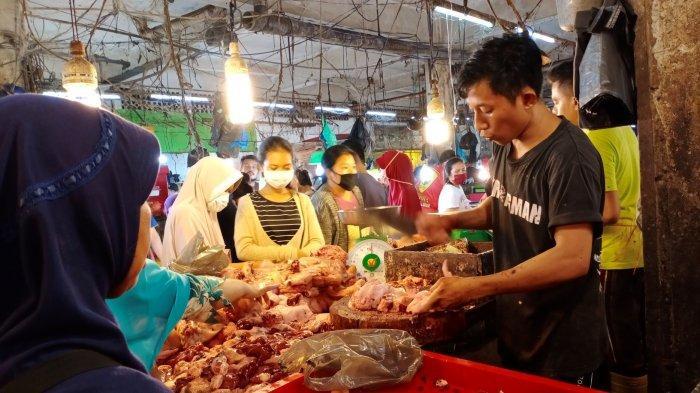 Harga Daging Ayam dan Sapi di Pasar Tos 3000 Batam, Pedagang Keluhkan Turunnya Penjualan