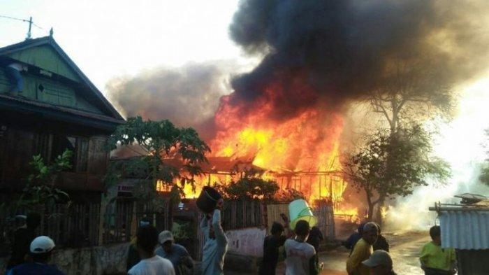 Kebakaran di Lingga, Anwar Mengungsi ke Rumah Kerabat, Rumah Dibakar Anak Sendiri