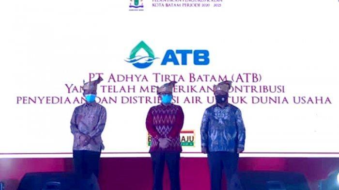 Apresiasi Kontribusi Bangun Investasi Batam, Kadin Batam Beri Penghargaan kepada ATB