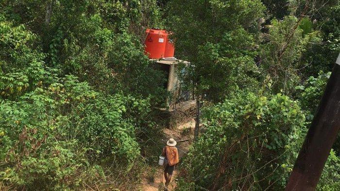 Akses Air Bersih Terbatas, Warga Anambas Terpaksa Mandi dan Angkut Air di Pemandian Umum