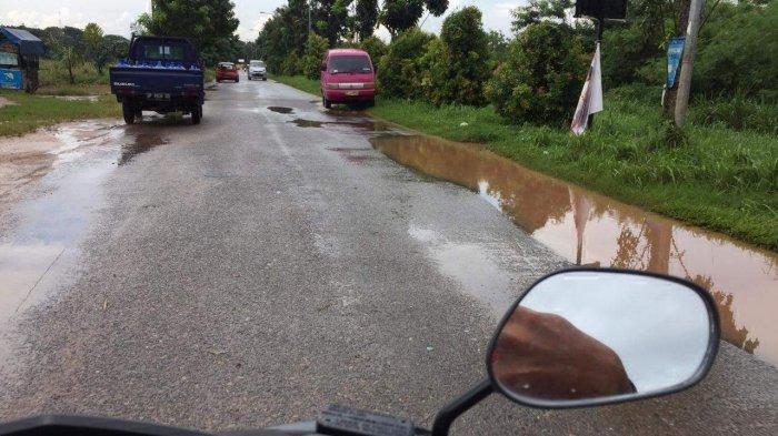 Hujan Sebentar, Ruas Jalan Kavling Sagulung Baru Batam Langsung Tergenang Air