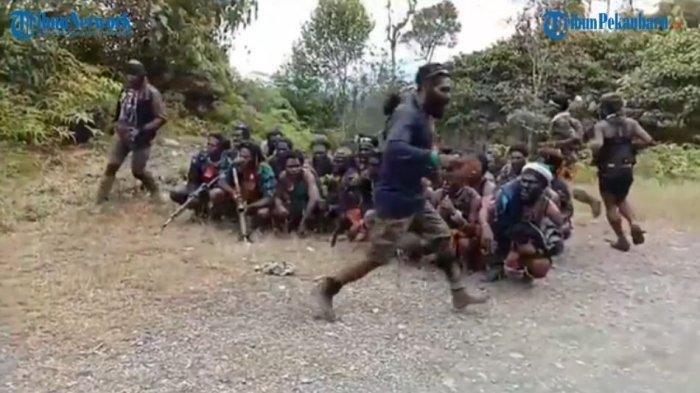 KKB Papua Semakin Ganas, Bakar Sekolah dan Puskesmas, Kapolda Berikan Penjelasan
