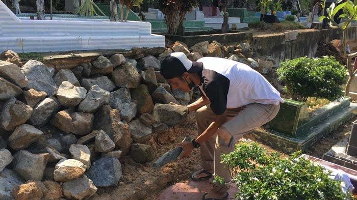 Hujan Deras, Belasan Makam di Bintan Longsor