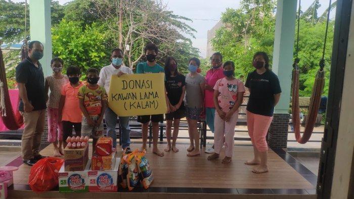 Komunitas Kawan Lama Beri Bantuan Sembako ke Panti Asuhan dan Panti Jompo di Tengah Pandemi Corona