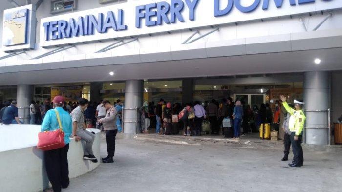 Suasana di Pelabuhan Domestik Sekupang Batam belum lama ini. Jumlah trip kapal yang berlayar di Pelabuhan Domestik, Sekupang, Batam Jumat (18/6/2021) hari ini mengalami penurunan.