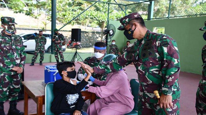 Danrem 033/WP Dan Ketua Persit Kartika Candra Kirana Gelar Vaksinasi Covid-19