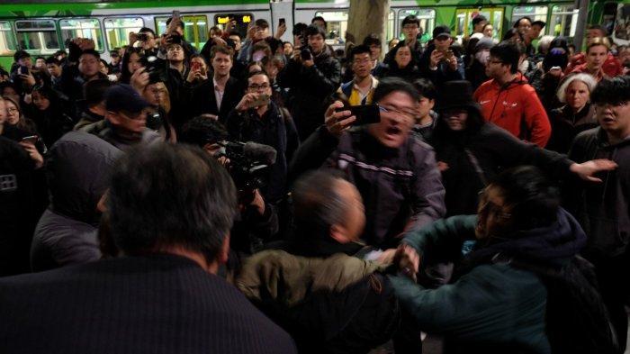 Demo Hong Kong Mulai Damai, Bentrok Pindah ke Luar Negeri