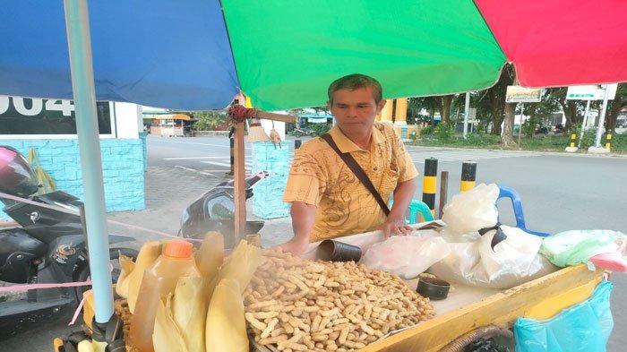 Kisah Buyung, Penjual Kacang Rebus yang Terdampak Pandemi Covid: Sekarang Susah