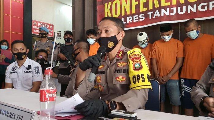 Kapolres Tanjungpinang, AKBP Fernando pimpin ekspose di lobi Mapolres Tanjungpinang, Selasa (19/1/2021)