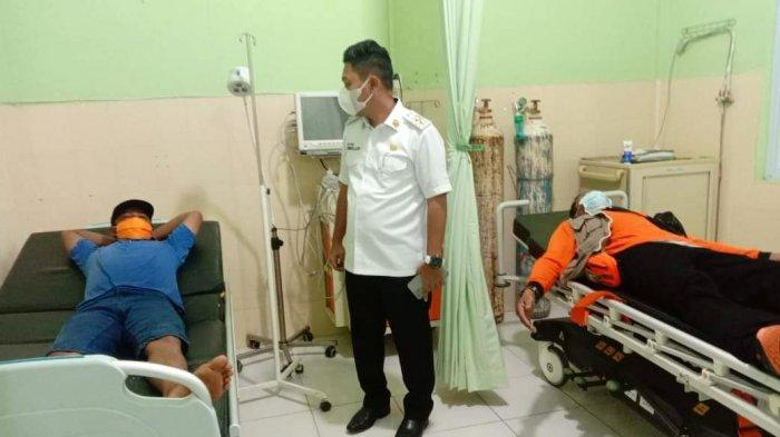 Wabup Neko Wesha Pawelloy Bantu Evakuasi Korban Speedboat BPBD Lingga Terbakar