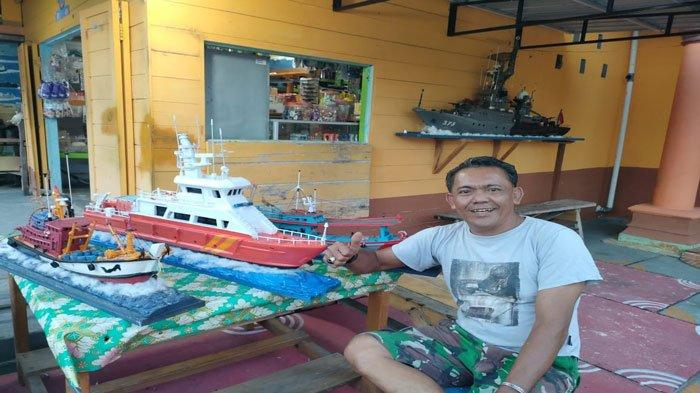 Pria di Natuna Buat Miniatur Kapal Perang hingga Kapal Ikan Thailand dari Kayu Pulai