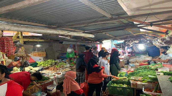 Jelang Idul Adha, Penjual Bumbu Masak di Pasar Tarempa Anambas Panen Rezeki