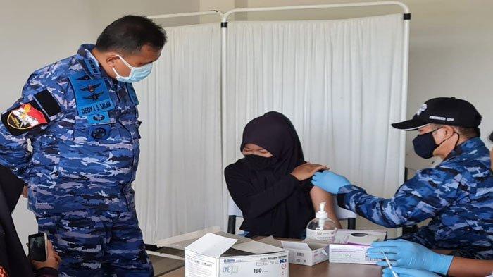 Vaksinasi covid-19 di Lanud Raden Sadjad