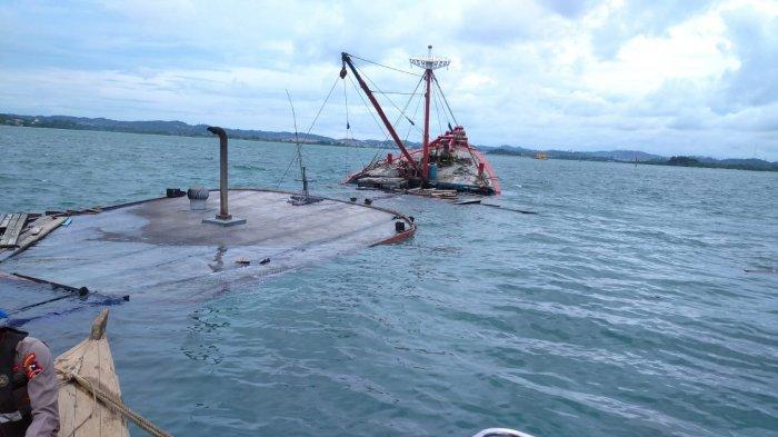 2 ABK Tenggelam Bersama 700 Ton Semen dalam Kapal Tirta Mulia di Batu Ampar Batam