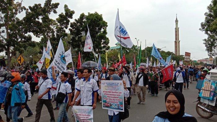 Di Omnibus Law, Pemerintah Pangkas Uang Penghargaan Pekerja, Cek Juga Uang Pesangon PHK