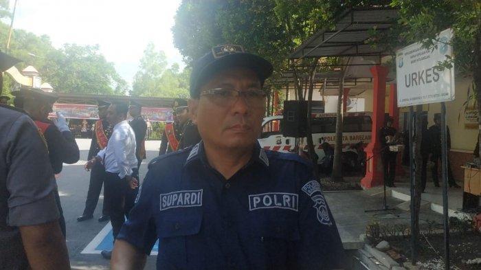 BREAKING NEWS - Polisi dan Pejabat Utama Polresta Barelang Sambut Kapolresta Baru
