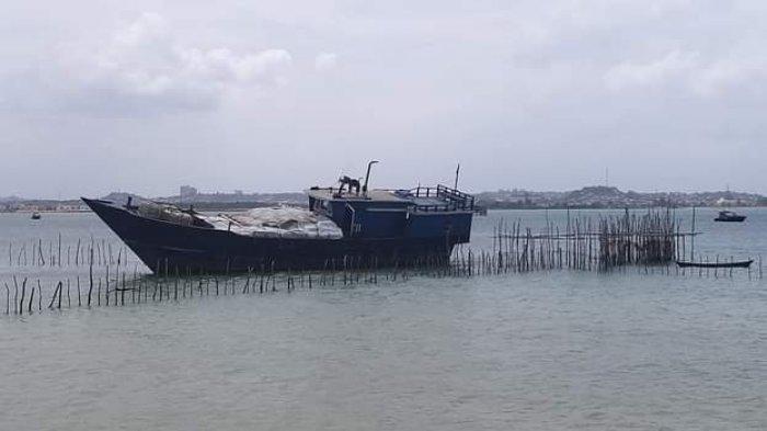 Kapal Kayu Kandas di Bakau Serip Nongsa, Sempat Kejar-kejaran dengan BC Batam
