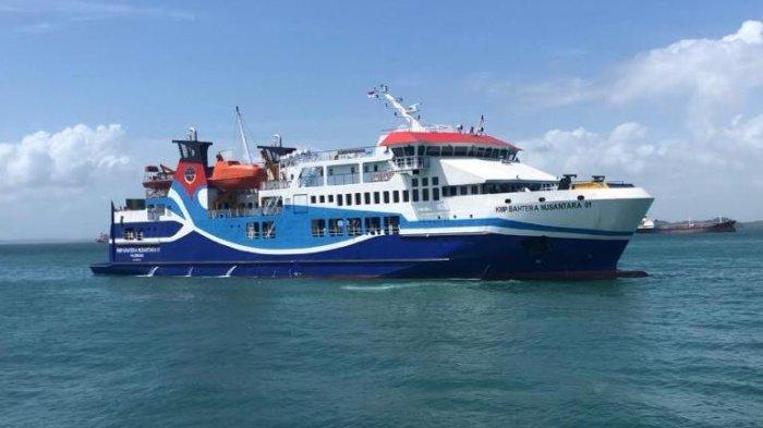 KMP Bahtera Nusantara 01 Gagal Berlayar ke Anambas, BMKG Prediksi Gelombang 4 Meter