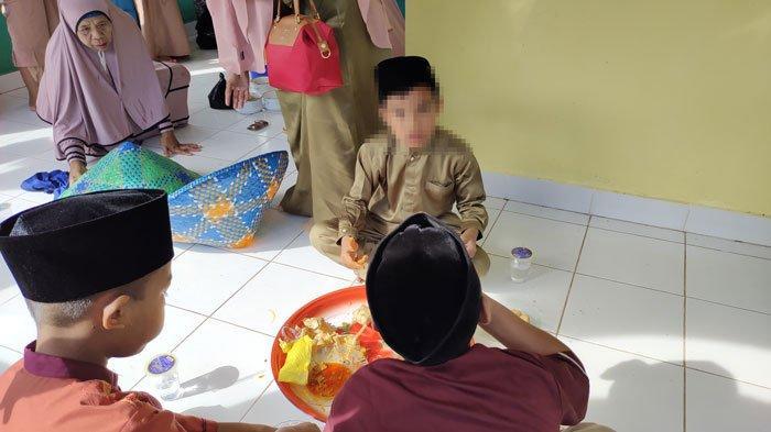 Idul Adha 1442 H di Lingga, Warga Singkep Barat Masih Menerima Tamu dan Makan Bersama