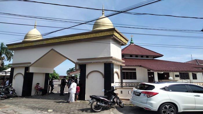 Jumlah Hewan Kurban di Masjid Al Azhar Tanjungpinang Menurun, Petugas Larang Warga Datang