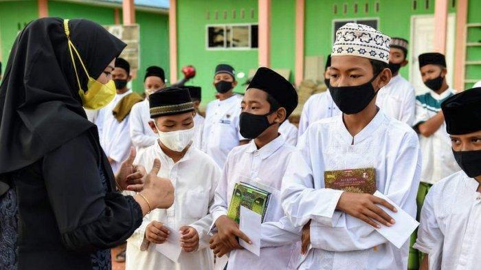Ringankan Beban saat Pandemi, TP-PKK Kepri Santuni Ponpes dan Panti Asuhan di Bintan