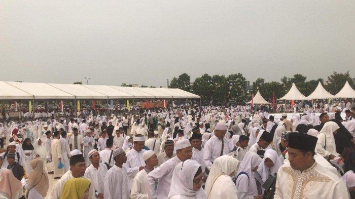Ingin Dengarkan Tausiyah Ustadz Abdul Somad, Warga Batam Putihkan Masjid Sultan Mahmud Riayat Syah