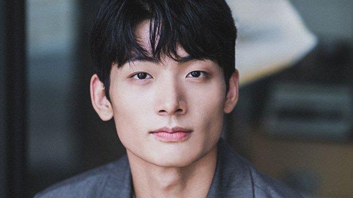 Profil Seo Young Joo Aktor Pemeran RM BTS di Drama Youth, Sempat Adu Akting sama Ahn Ji Ho