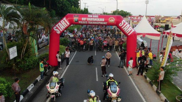 Fun Bike HUT Bhayangkara ke-73 di Tanjungpinang Seru, Ribuan Masyarakat Tumpah Ruah