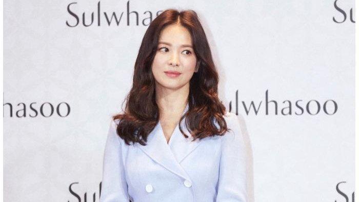 Ini Tips Kecantikan Paling Aneh Artis Korea Selatan, Song Hye Kyo Bersihkan Wajah Dengan Susu