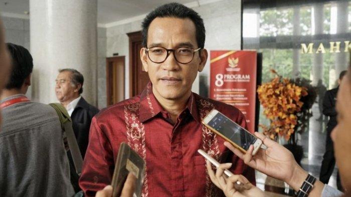 Apa Alasan Refly Harun Mendadak Dicopot dari Jabatan Komisaris Utama Pelindo I?