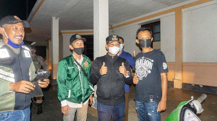 Wakil Bupati LinggaNeko Wesha Pawelloy Patroli Bareng Satpol PP, Susuri Lokasi Dianggap Rawan
