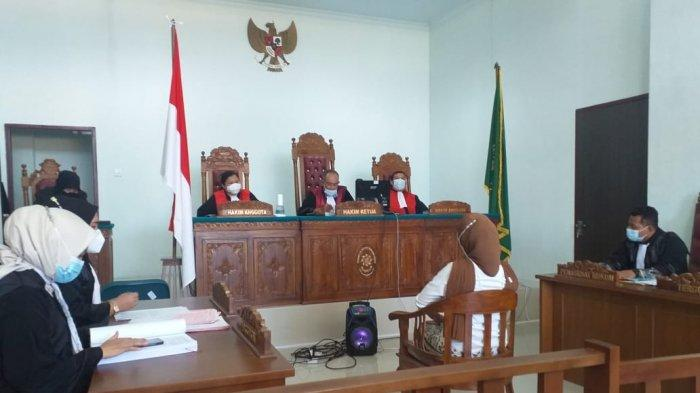 Sidang Dugaan Gelar Palsu Anggota DPRD Tanjungpinang, Rini Pratiwi Terima Dakwaan JPU