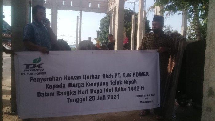 PT TJK Power Salurkan 6 Ekor Sapi Bagi Warga Kampung Teluk Nipah di Momen Idul Adha 1442H